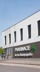 pharmacie de la Champagnere cote rue